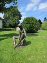 <h5>Malbine</h5><p>Malbine, Petite danseuse, 105 cm, bronze, exposition permenante à Troinex (Genève)</p>